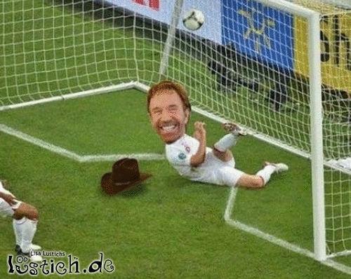 Chuck Norris als Torwart