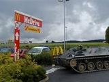 Mit dem Panzer zu Mc Drive